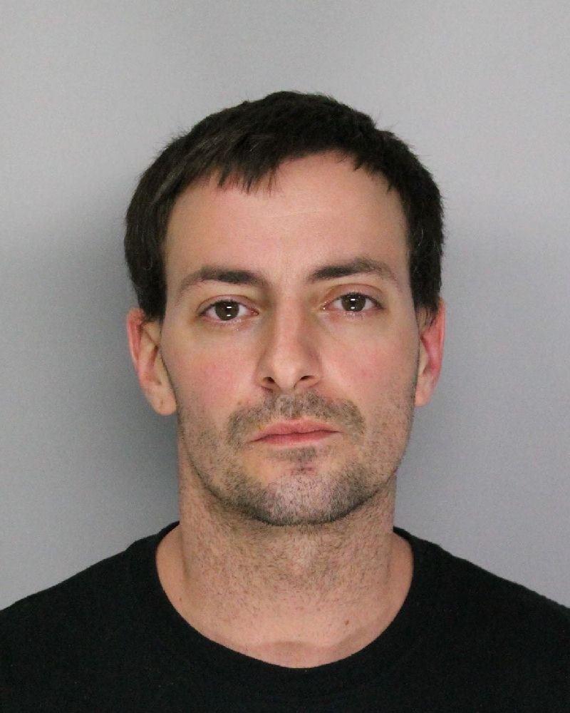 Nathan Barrows detenido por atacar a su novia